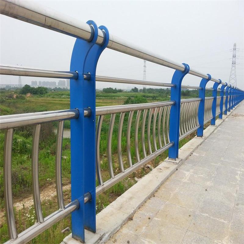 无锡76*3304不锈钢复合管栏杆根据客户要求定做