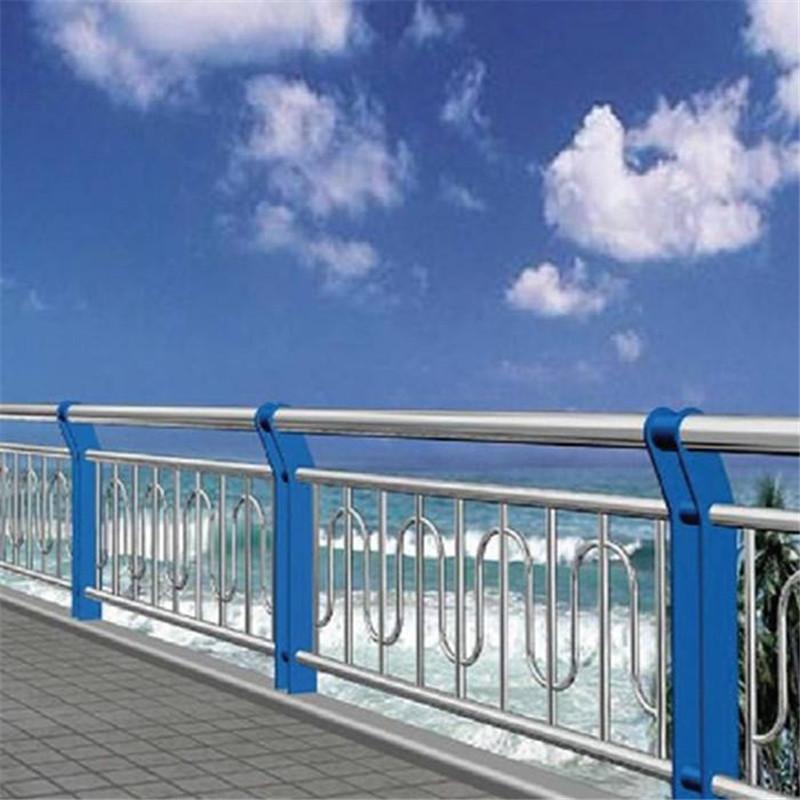 萍乡102*4.5201不锈钢复合管护栏依图纸订做